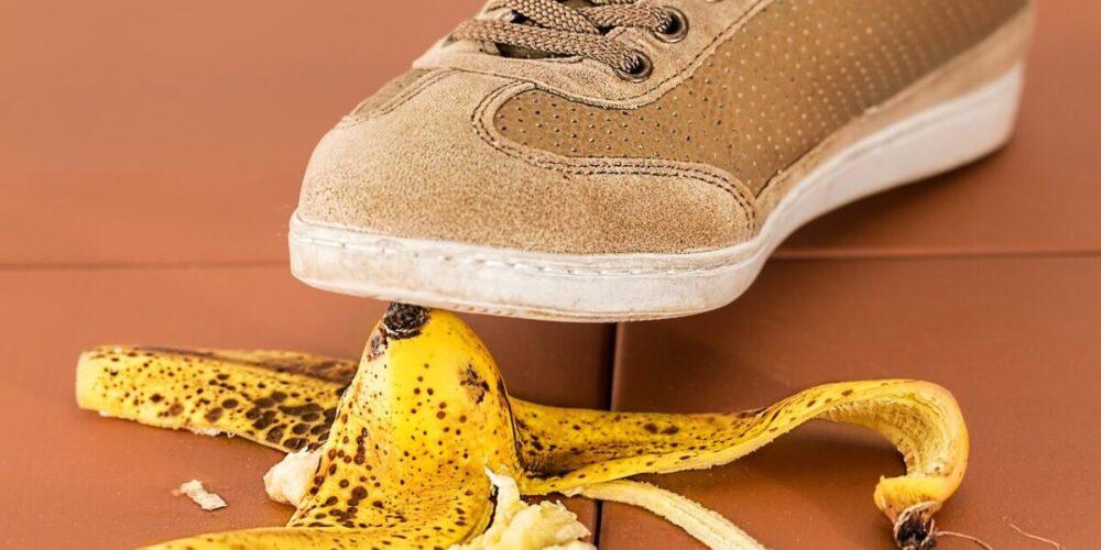 バナナで転ぶ